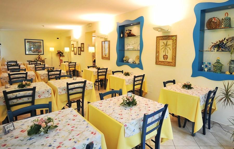 4 Sala colazioni